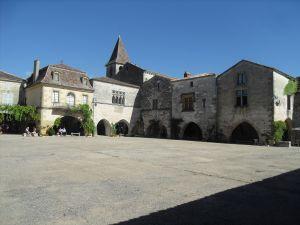 Place centrale Monpazier