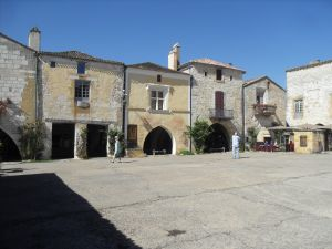Place centrale de Monpazier